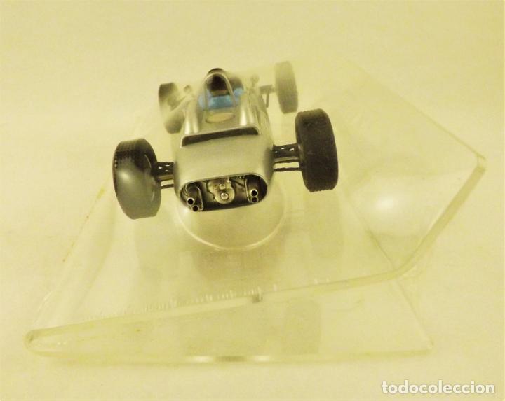 Slot Cars: Slot Cartrix Porsche 804 Dan Gurney nº 30 + Peana expositora - Foto 4 - 198205518