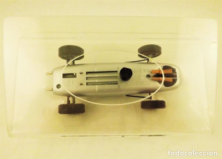 Slot Cars: Slot Cartrix Porsche 804 Dan Gurney nº 30 + Peana expositora - Foto 5 - 198205518