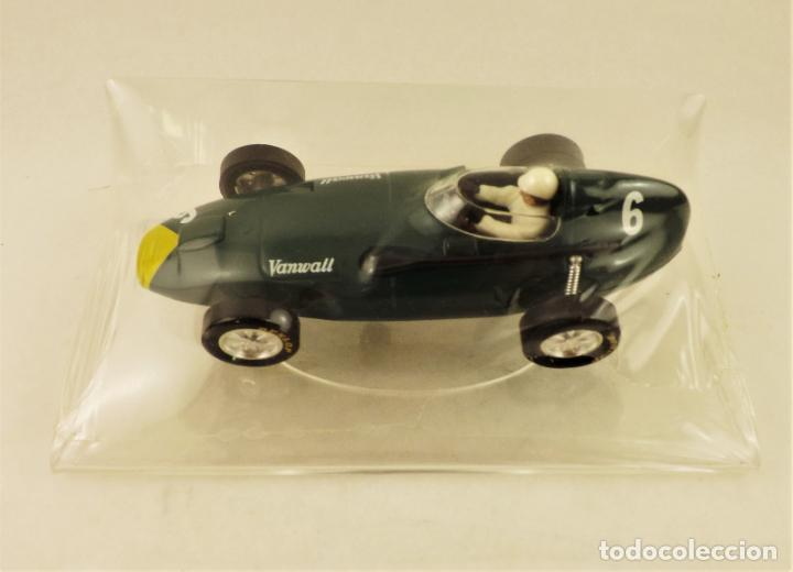 SLOT CARTRIX VANWALL GRAND PRIX LEGENDS + PEANA EXPOSITORA (NUEVO DE FÁBRICA) (Juguetes - Slot Cars - Magic Cars y Otros)