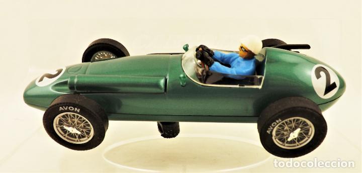 Slot Cars: Cartrix Grand Prix Legends. Aston Martin DBR4 Roy Salvadori 1959 - Foto 3 - 198317396