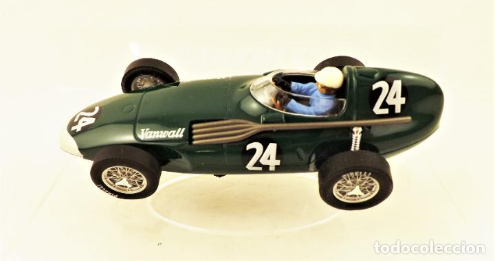 Slot Cars: Cartrix Grand Prix Legends. Vanwall Hawthorn/Schell 1956 - Foto 3 - 198340638