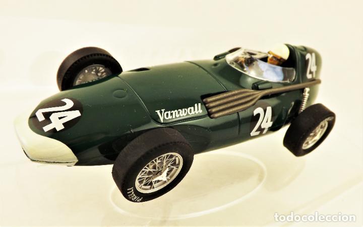 Slot Cars: Cartrix Grand Prix Legends. Vanwall Hawthorn/Schell 1956 - Foto 2 - 198340638