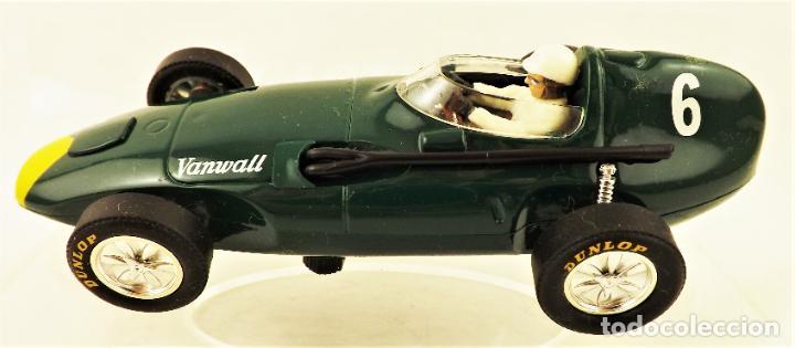 Slot Cars: Cartrix Grand Prix Legends. Vanwall Lewis/ Evans 1958 - Foto 4 - 198340898