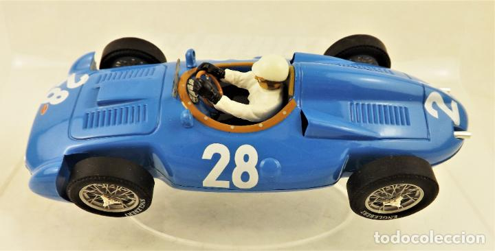 Slot Cars: Cartrix Grand Prix Legends Bugatti T251 Maurice Tritignan 1956 - Foto 3 - 198341591