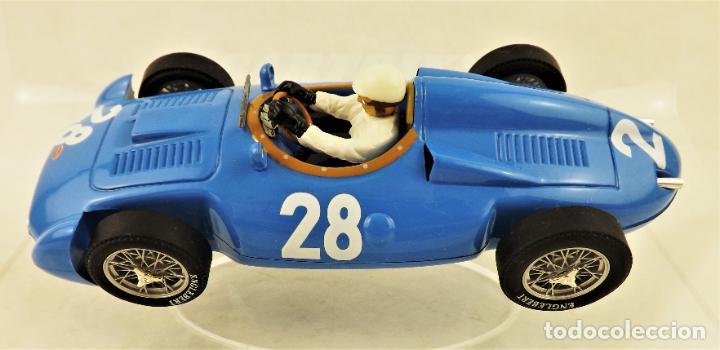 Slot Cars: Cartrix Grand Prix Legends Bugatti T251 Maurice Tritignan 1956 - Foto 4 - 198341591
