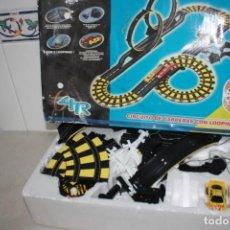 Slot Cars: CAJA CON CIRCUITO Y COCHES.. Lote 202737868
