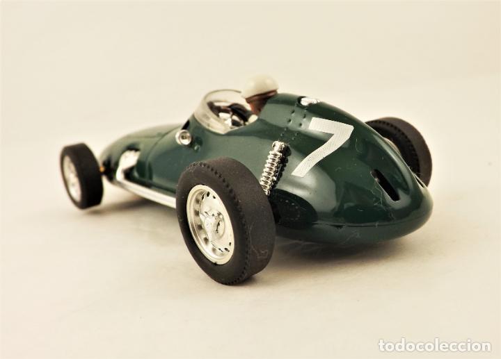 Slot Cars: Cartrix Grand Prix Legends BRM P25 - Foto 4 - 210838476