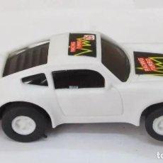 Slot Cars: COCHE DE PISTA RACING TURBO, TIPO ESCALEXTRIC, COLOR BLANCO. Lote 213675001
