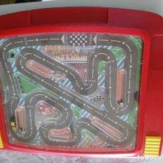 Slot Cars: RACING CAR GRAND PRIX - BATTERY POWER HAND HELD GAME (FUNCIONANDO). Lote 218290950