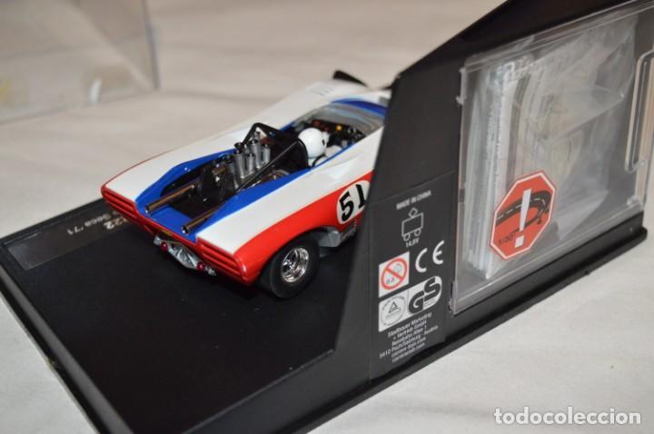 Slot Cars: LOLA T222 DORSAL 51 - CARRERA EVOLUTION - SLOT - BUEN ESTADO GENERAL - FUNCIONA CORRECTAMENTE - Foto 4 - 221596296
