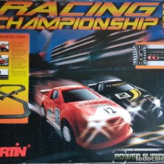 Slot Cars: RACING CHAMPIONSHIP 2007 / PISTA SLOT CARRERAS CON 2 COCHES / VER FOTOS. BUEN ESTADO.. Lote 222016415