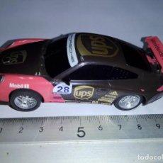 Slot Cars: SCALEXTRIC COMPACT DESCATALOGADO ESCALA 1/43 PORSCHE 911 GT3 #28 CUP UPS MICHELIN 2ª VERSION. Lote 233049625