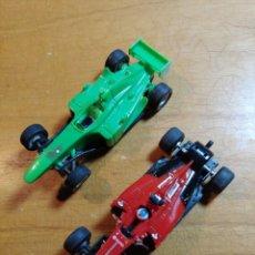Slot Cars: LOTE DE DOS COCHES DE F1 PARA SCALEXTRIC COMPACT SIN MARCA SON PARA PIEZAS MIRAR FOTOS. Lote 246972730