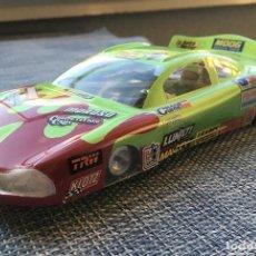 Slot Cars: LOTE DE 2 COCHES SLOT PLAFIT 1:24 COMPETICIÓN NASCAR Y RECAMBIOS (MOTORES Y CARROCERÍA FORD CAPRI). Lote 254945810