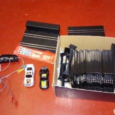 Slot Cars: CIRCUITO SLOT EN APARIENCIA COMPLETO MADE IN CHINA, LO Q SE VE EN LA FOTO NO PROBADO. Lote 284527808