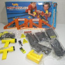 Slot Cars: CIRCUITO HOT WHEELS, LIGHT SIZZLERS, MATTEL ESPAÑA 1990, MADE IN SPAIN. Lote 288081453