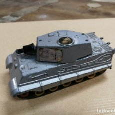 Slot Cars: TANK KING TIGER K-104 LESNEY MATCHBOX BATTLE KINGS, AÑO 1974 (TANQUE MILITAR) MADE IN ENGLAND. Lote 168077216