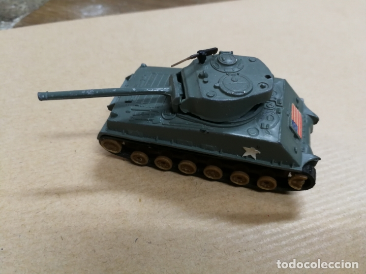 TANQUE CARRO DE COMBATE W. T. 310 M4A3E8 SHERMAN (TANQUE MILITAR) MADE IN HONG KONG METALICO (Juguetes - Slot Cars - Matchbox)
