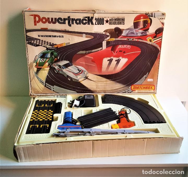 PISTA SCALEXTRIC MATCHBOX POWERTRACK 2000 + 1 COCHE EN CAJA ORIGINAL QUE MIDE 60X37.CM (Juguetes - Slot Cars - Matchbox)
