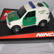Slot Cars: NINCO 50519 MITSUBISHI PAJERO GUARDIA CIVIL CON LUZ SIRENA. Lote 43098734
