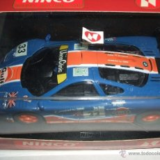 Slot Cars: MCLAREN F1 GTR DE NINCO REF.-50140 DORSAL Nº33 PUBLICIDAD PARABRISAS DELANTERO COLOR AMARILLO. Lote 54905370