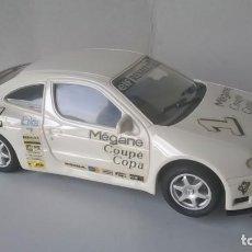 Slot Cars: RENAULT MEGANE COPA BLANCO DE NINCO. Lote 151382230