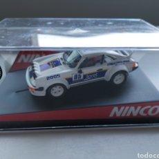Slot Cars: COCHE SCALEXTRIC DE NINCO PORSCHE 911 SC RALLY LLORET DE MAR COCHES HISTÓRICOS. 2005 REF. 50365. Lote 197857333