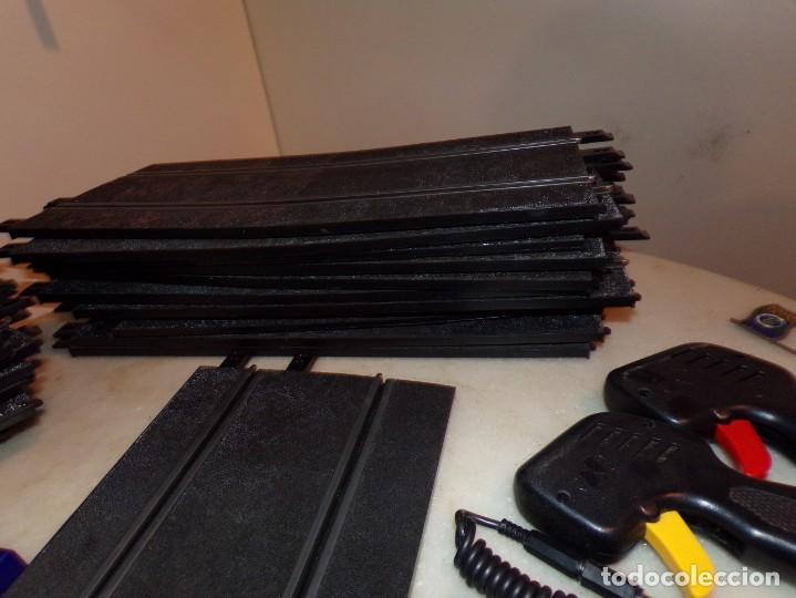 Slot Cars: Ninco lote de 38 Pistas, y 6 Vallas, 2 mandos - Foto 3 - 214653060
