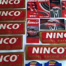 Slot Cars: NINCO , LOTE DE CATÁLOGOS Y ADHESIVOS. LO DE LAS FOTOS. Lote 221464267
