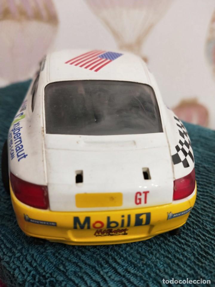Slot Cars: Porsche 911 GT3 R Alex Job 2003 ref. 50304 nº23 - Foto 4 - 229586260