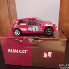 Slot Cars: 1993 RENAULT CLIO ROJO PILOTO HERVAS CON MOTOR RT10 NINCO COMPT SCX SCALEXTRIC. Lote 262198740