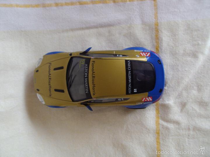 Slot Cars: Aston Martin racing car 2008 scalextric color oro funciona - Foto 3 - 55903515