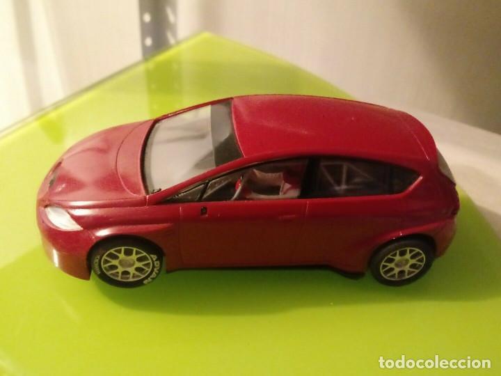 Slot Cars: Coche SCX Slot sin pegatinas Seat Leon rojo wtcc - Foto 2 - 162041178