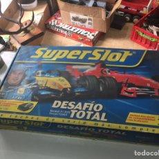 Slot Cars: CIRCUITO SCALEXTRIC FERNANDO ALONSO SUPER SLOT DESAFIO TOTAL EN EXCELENTE ESTADO VER FOTOS Y DESCRIP. Lote 189548290