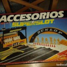 Slot Cars: ACCESORIOS SUPERSLOT,TRIBUNA ESPECTADORES,PUENTE DUNLOP Y MÁS. Lote 213961010