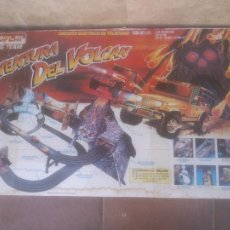 Slot Cars: AVENTURA DEL VOLCÁN PISTA ELÉCTRICA RACING TEAM FAMOPLAY.FAMOSA 1991.NUEVA EN CAJA. Lote 269000049