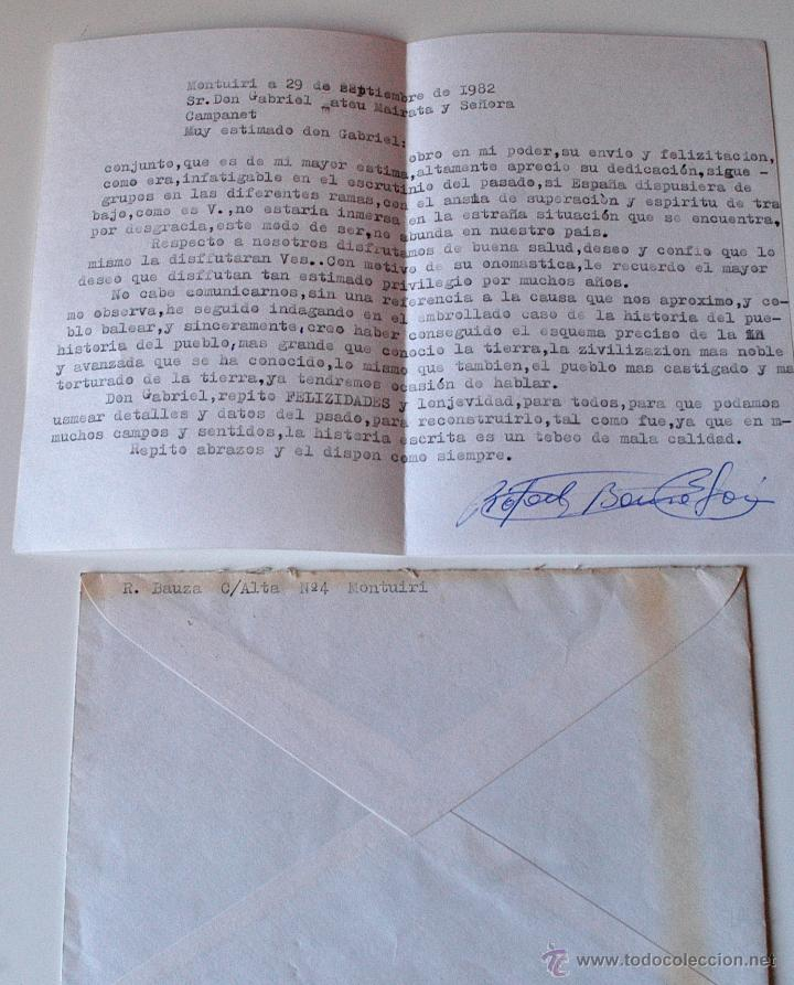 CARTA A MAQUINA FIRMADA POR EL ESCRITOR DE MONTUIRI, RAFAEL BAUZA+SOBRE 1982 (Sellos - Historia Postal - Sello Español - Sobres Circulados)
