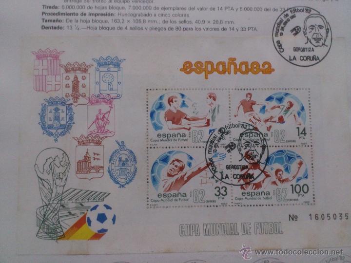 Sellos: Hoja conmemorativa Mundial 82 fútbol. Hoja bloque con 4 sellos con Matasellos La Coruña. - Foto 3 - 40242889