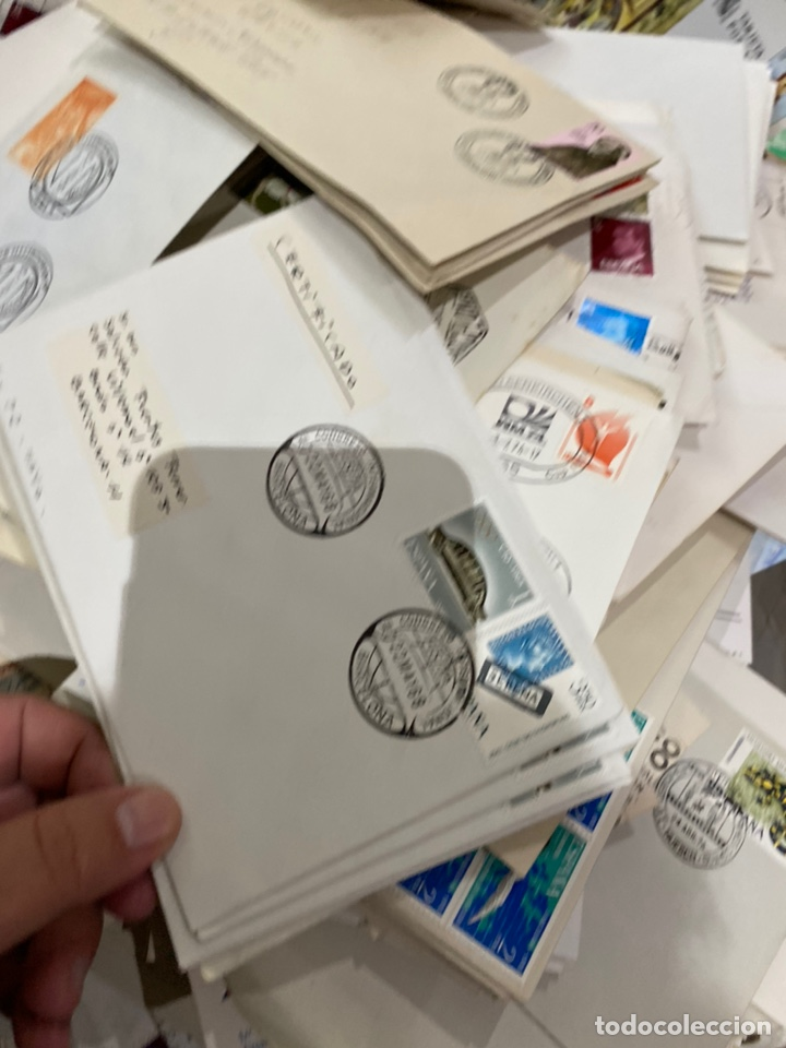 Sellos: Gran lote de sobres del primer dia antiguos y sellos - caja plástico grande llena - ver las imágenes - Foto 16 - 205269146