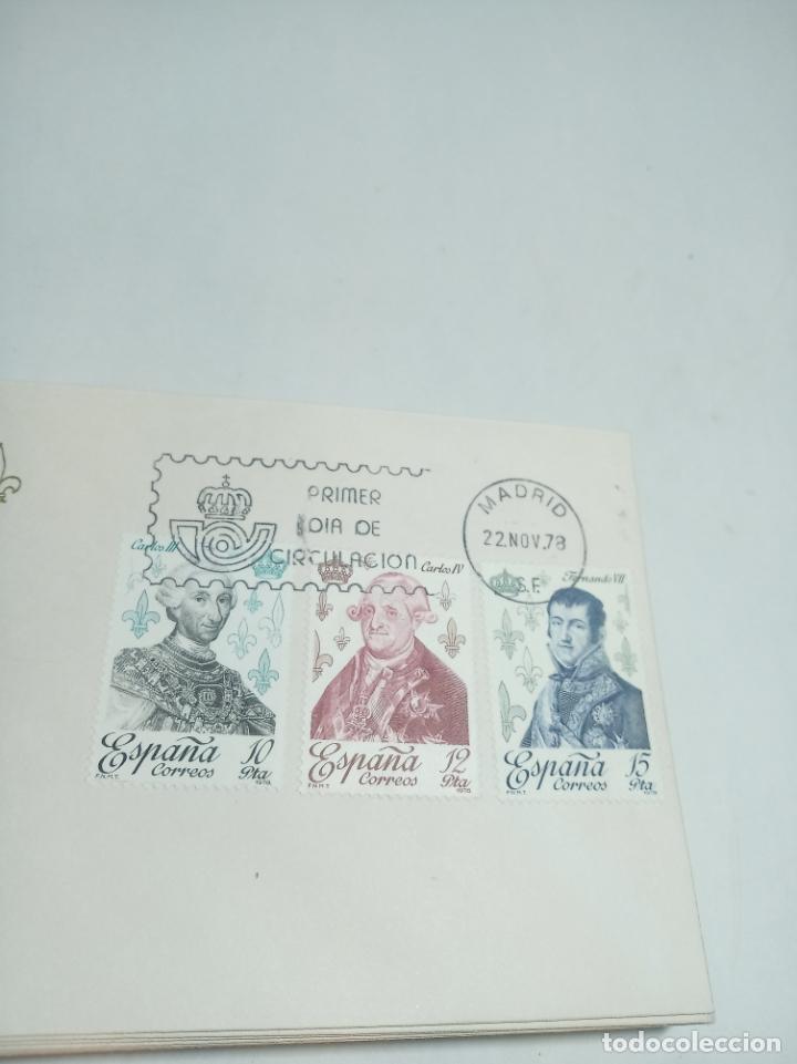 Sellos: Lote de 43 sobres reyes de España. Casa de Borbón. Primer día de circulación. Dif. sellos 22.11.78 - Foto 3 - 221153026