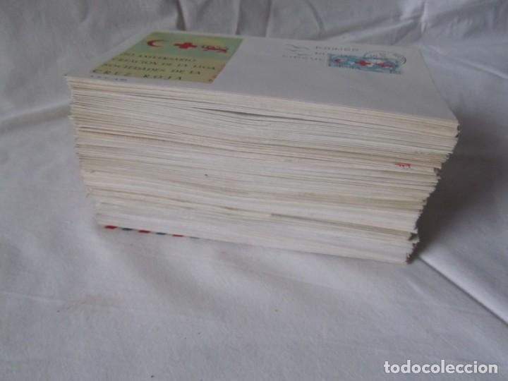 Sellos: 188 sobres de primer día años sesenta y principios de los 70 - Foto 2 - 233539525