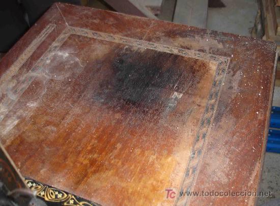 Antigüedades: Un pequeño deterioro en la mesa - Foto 5 - 25809530
