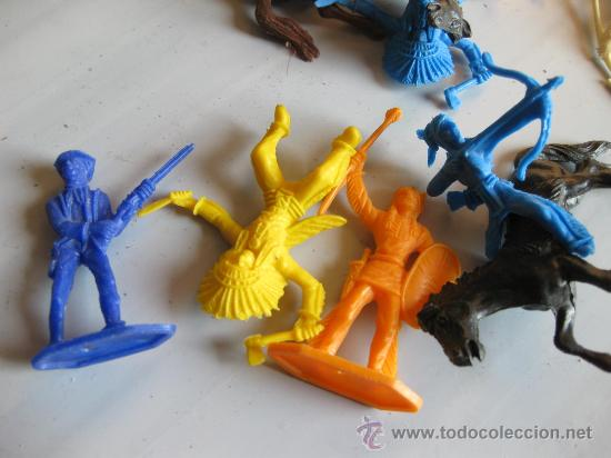 Figuras de Goma y PVC: - Foto 2 - 21738372