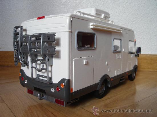 Preciosa autocaravana hymer escala 1 18 comprar coches for Autocaravana playmobil