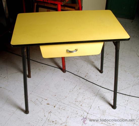 Mesa cocina amarilla formica y hierro con sus d comprar - Sillas anos 60 ...