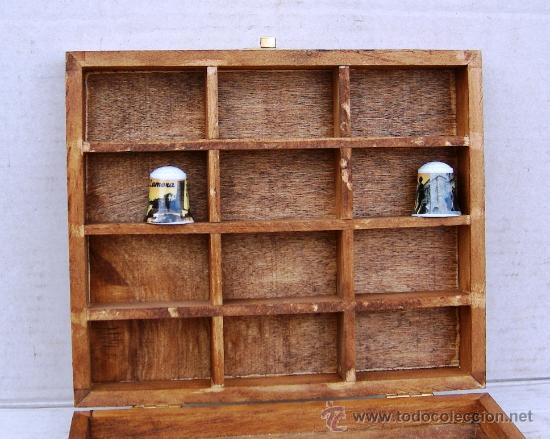 Vitrina expositora de madera para dedales muebl comprar - Estanterias para dedales ...