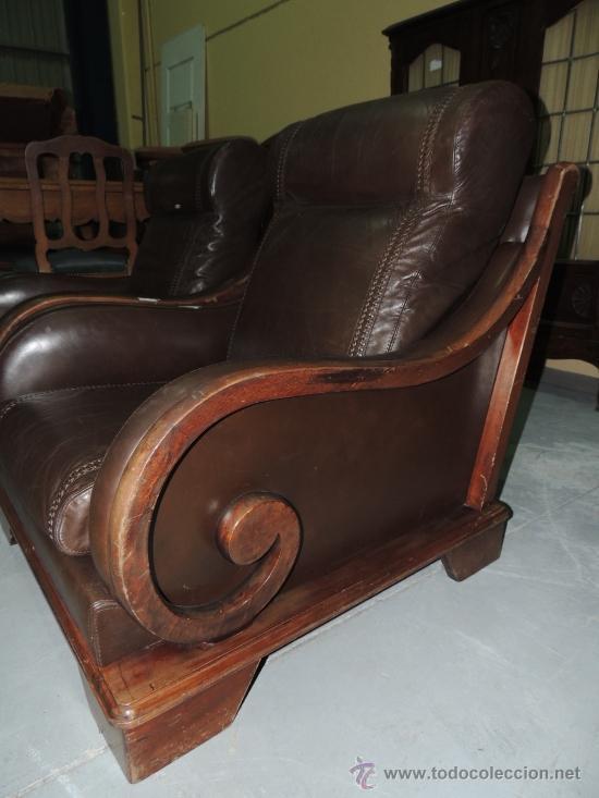 Vintage dos sillones de cuero y madera raro comprar - Sillones de madera antiguos ...