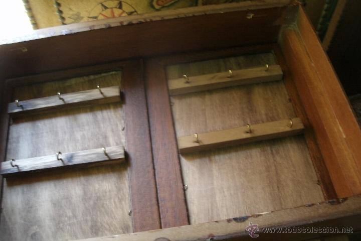 Armario de pared para guardar llaves en madera comprar en todocoleccion 39455783 Puertas de madera decoradas