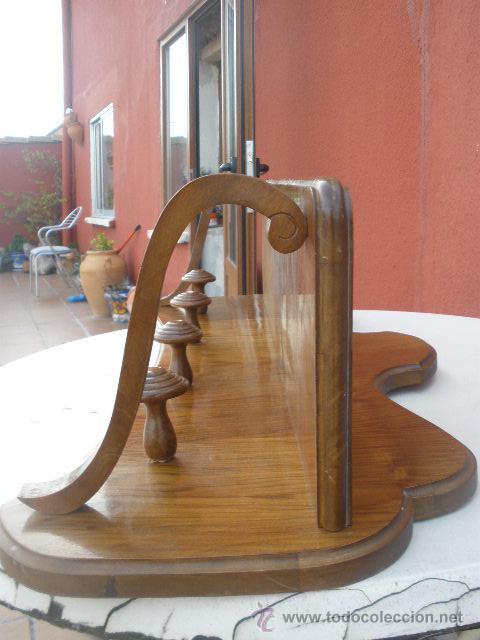 Perchero de madera para pared comprar muebles for Muebles auxiliares clasicos madera