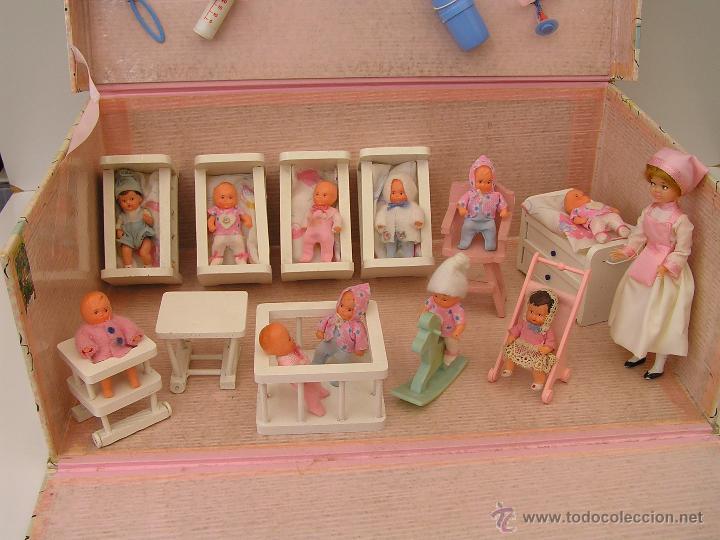 antigua caja: guarderia con 11 bebes y cuidador - Comprar Casas de ...